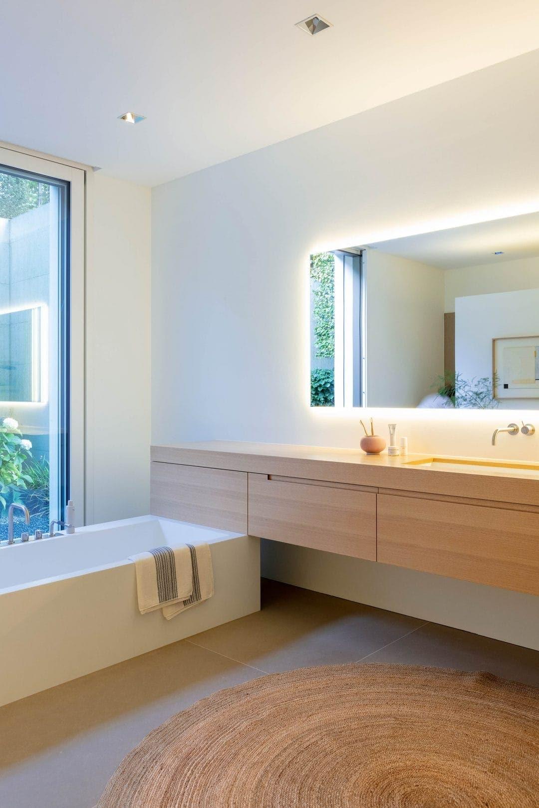 Odermatt Ideenschreinerei Bad Badewanne Spiegel Lavabo