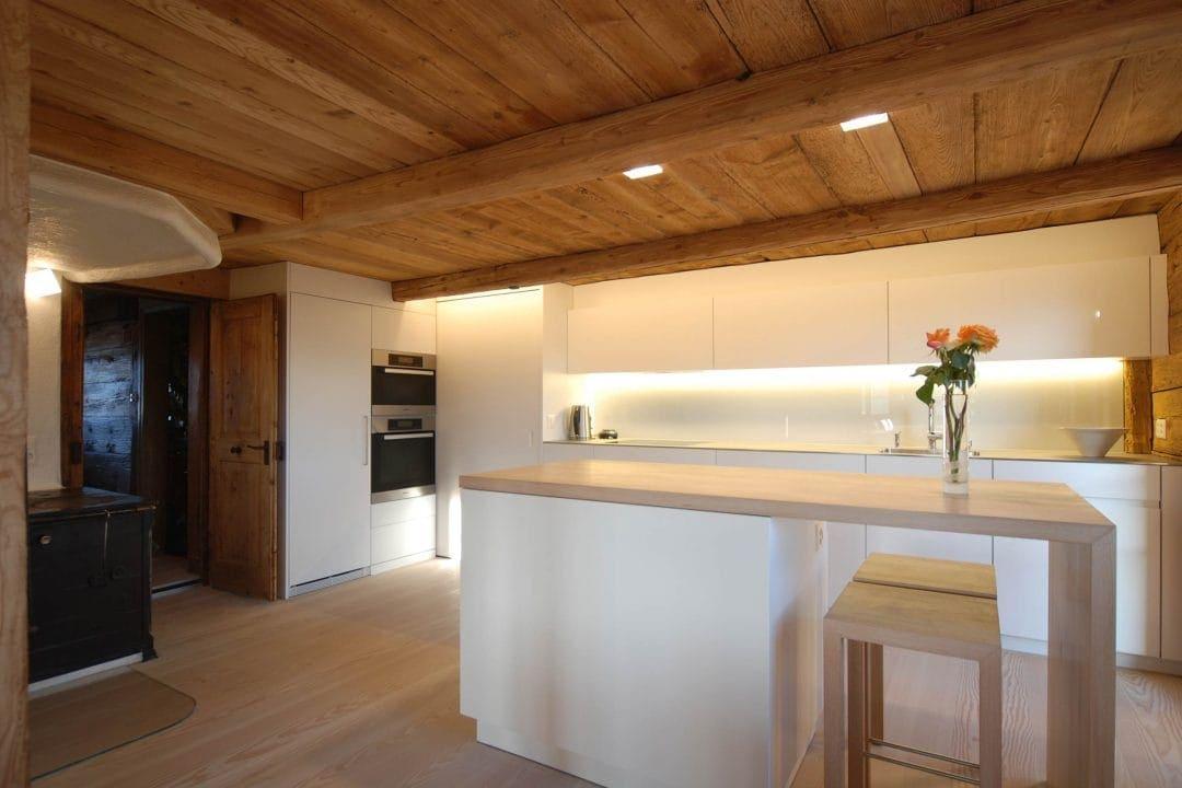 Odermatt Ideenschreinerei Küche Holzdecke