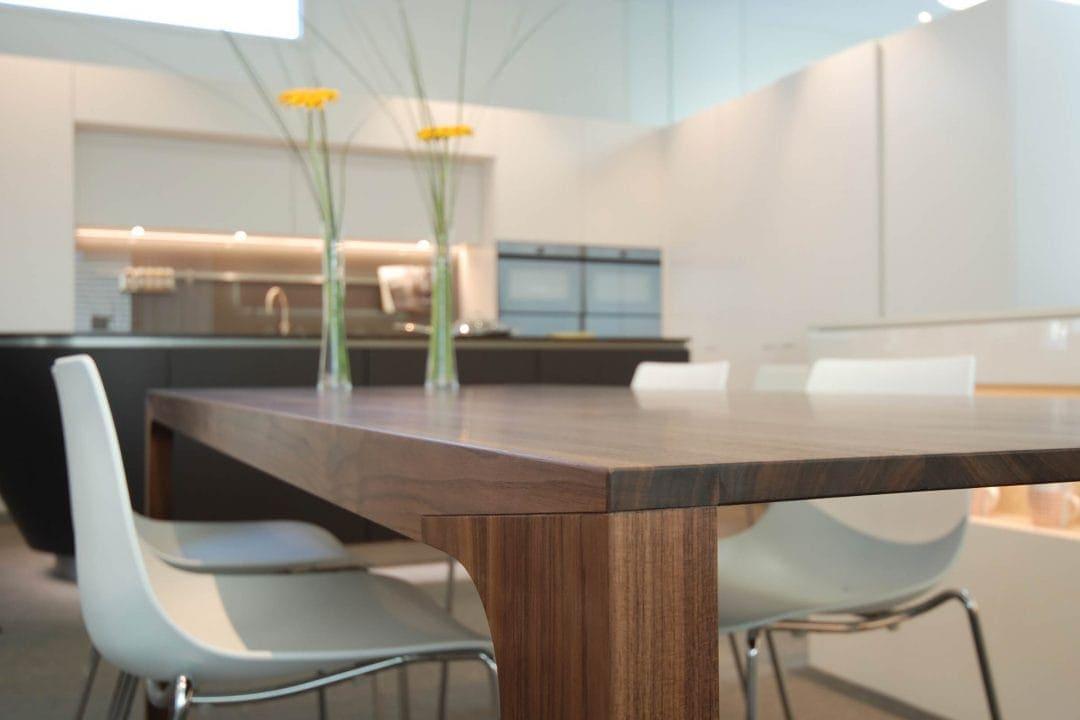 Odermatt Ideenschreinerei Ausstellung Küche Tisch Stühle