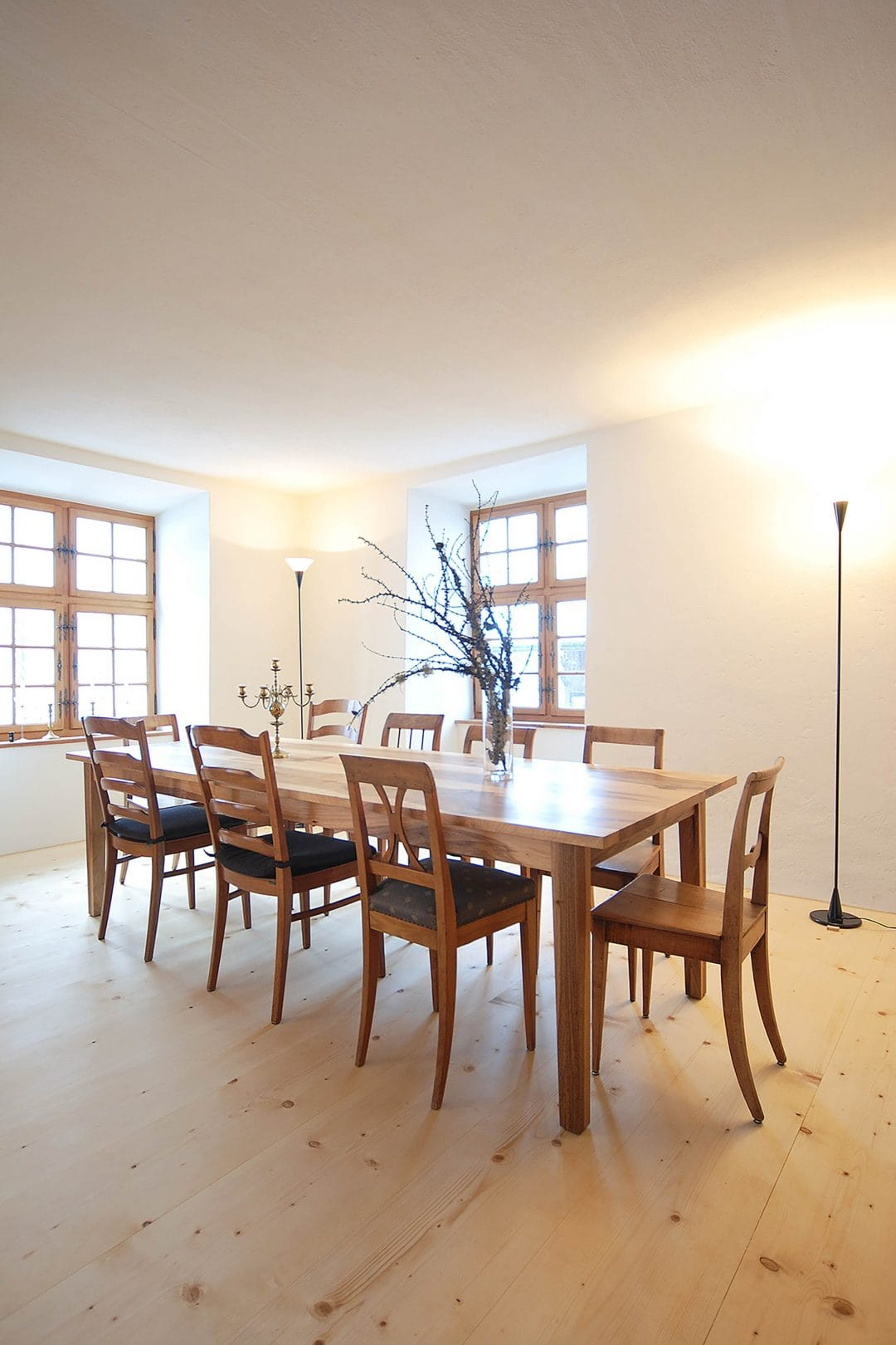 Odermatt Ideenschreinerei Wohnraum Tisch mit Stühlen